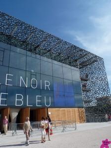 noir-et-bleu-224x300